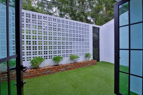 Terrace House2.jpg